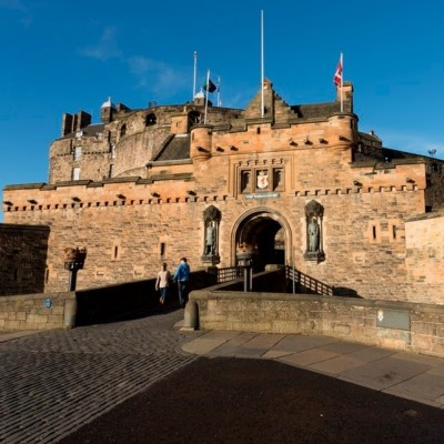 Buy tickets for Edinburgh Castle online and save time and money