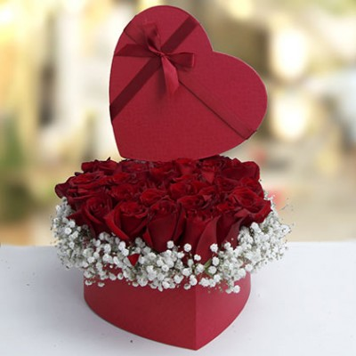 Flowerdeliveryuae.ae Opens Up a Channel to Send Gifts on Rose Day to UAE