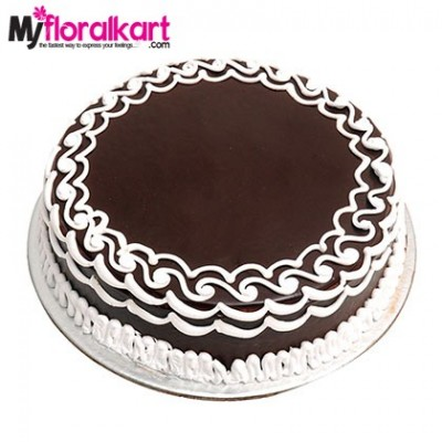 Send cakes to Surat and Ahmedabad for a delightful treat