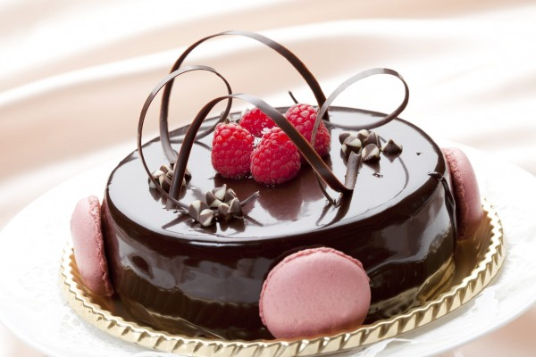 Send Cakes to Chandigarh and Jaipur to please your loved ones on special occasions